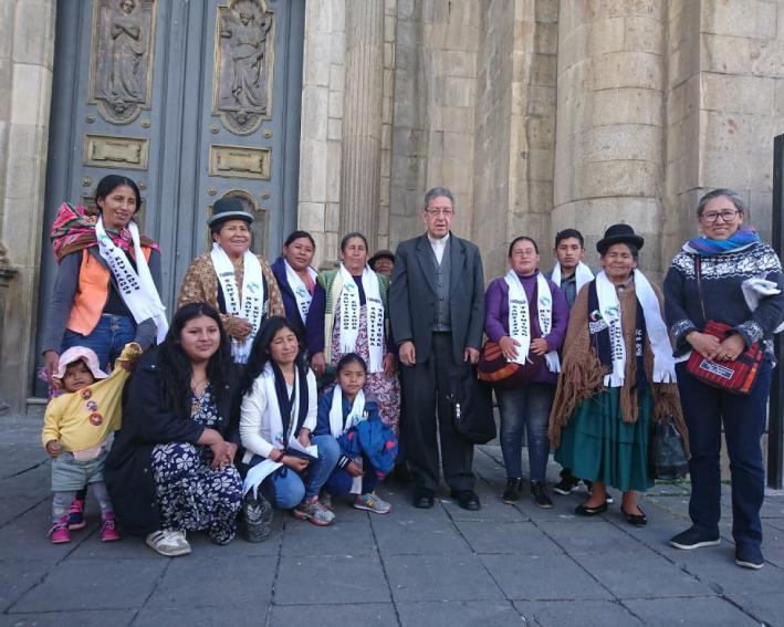Membros das comunidades eclesiais de base da capela Santa Mônica