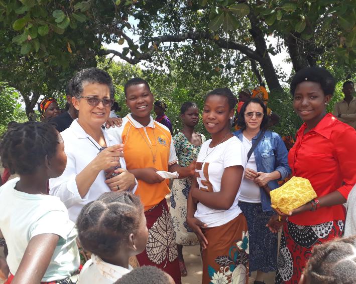 Participação das Irmãs de Nampula na celebração da Páscoa numa comunidade rural