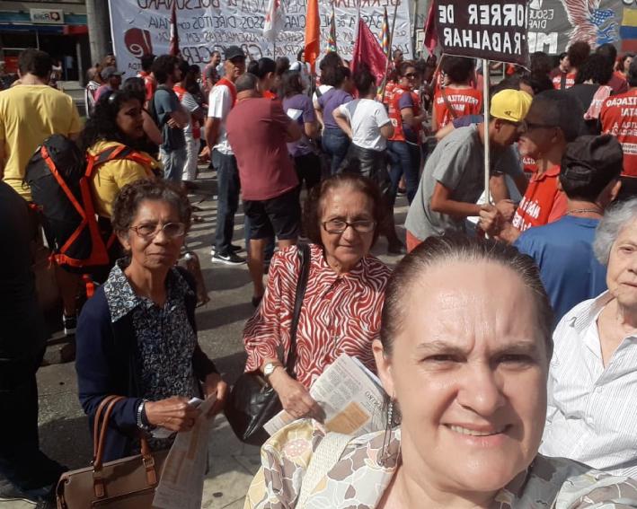 Irmãs De São Paulo Participando Das Manifestações Sociais