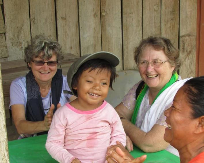 Irmãs Do Projeto Intercongregacional visitando os Indígenas No Peru