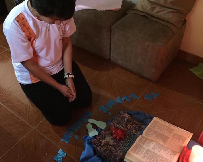 Momento De Oração Pessoal Paraguai
